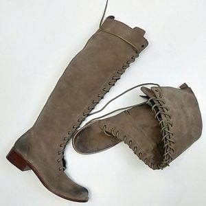 GEE WAWA OTK Suede Boots